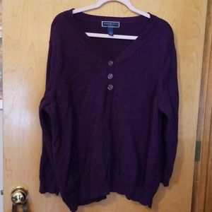Women's plus sized sweater